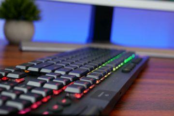 Logitech G915 LIGHTSPEED ve G815 LIGHTSYNC RGB mekanik oyun klavyeleri tanıtıldı